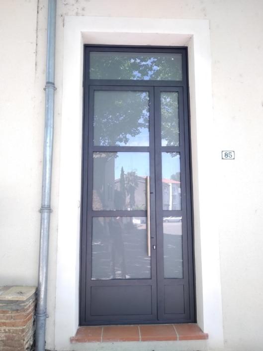 porte d'entrée haut de gamme en acier