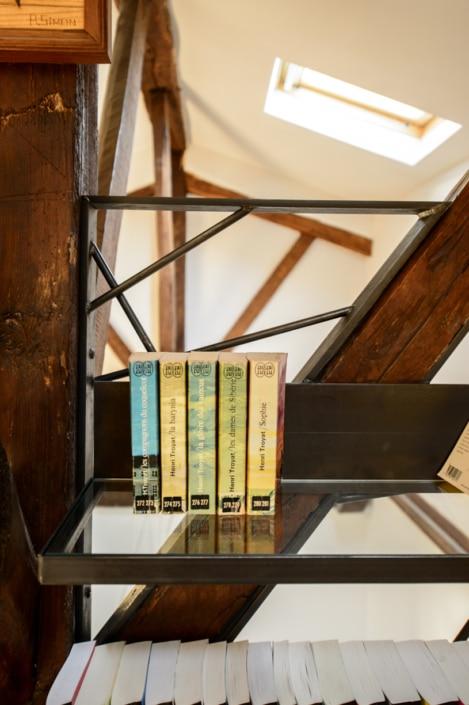 bibliothèque sur mesure en acier