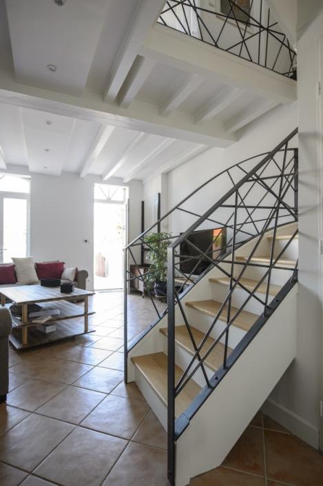 garde-corps pour escalier design en métal