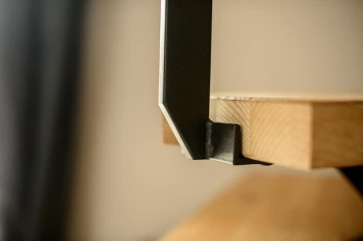 escalier avec rampe en acier fixation à l'anglaise