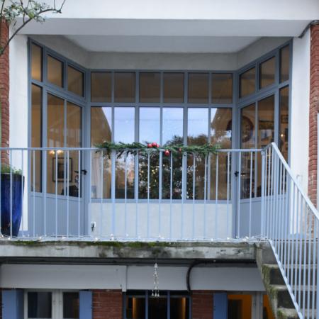 verrière d'extérieur haut de gamme maison et portes en fer forgé