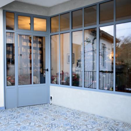 verrière et portes d'extérieur haut de gamme en acier