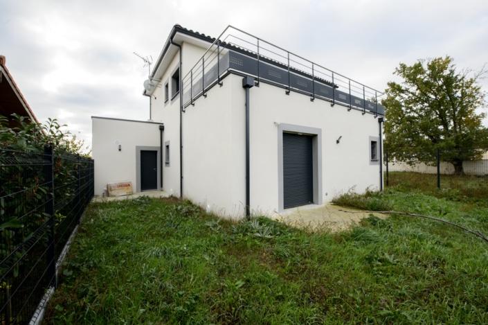 garde-corps extérieur terrasse moderne en acier