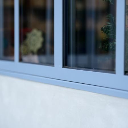 verrière et portes pour maison haut de gamme en métal