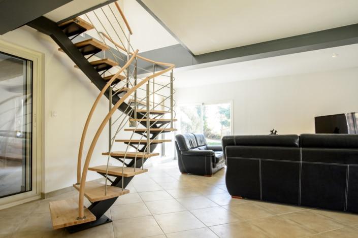 escalier deux quarts tournants en acier et en bois design maison