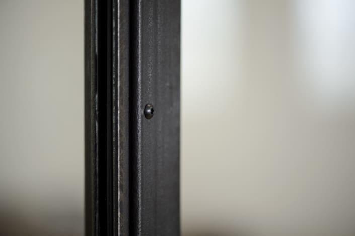 verrière en acier et fer forgé avec soubassement