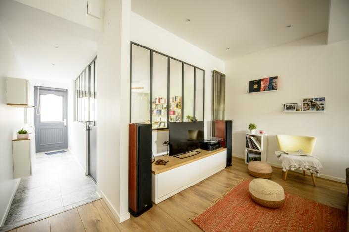 maison moderne avec verriere en fer forge