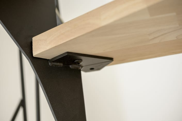 escalier moderne metal marches en bois clair