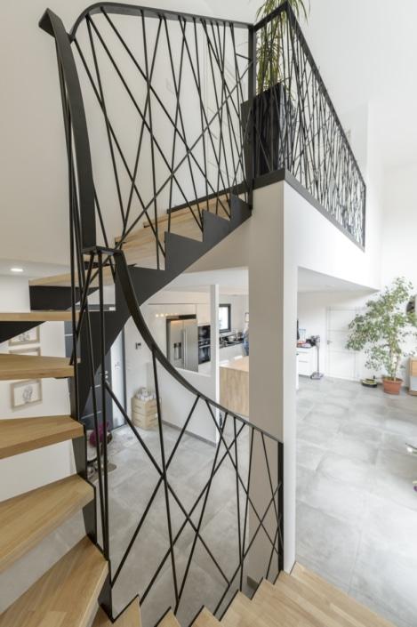 escalier quart tournant en acier moderne