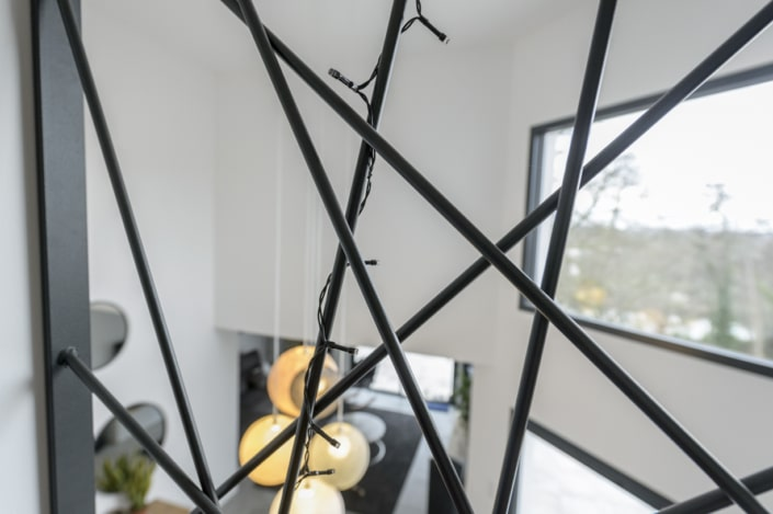 garde corps metal motif ligne déstructuree
