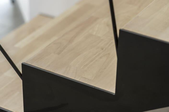 escalier en metal marche en bois