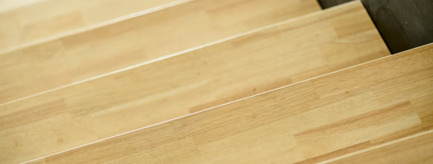 escalier moderne en bois et metal