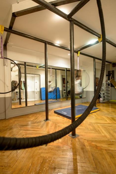 barre en acier pour studio de dance