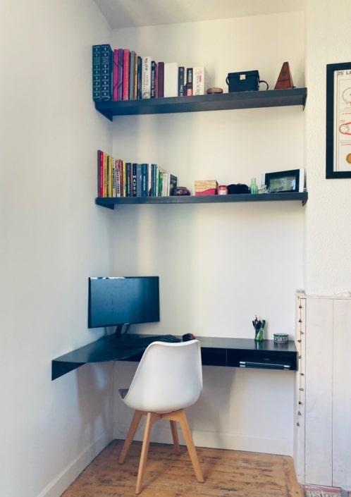 petit bureau avec etageres en fer