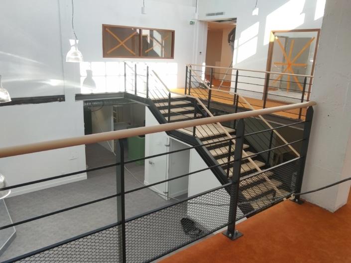 escalier droit metal bois avec pallier