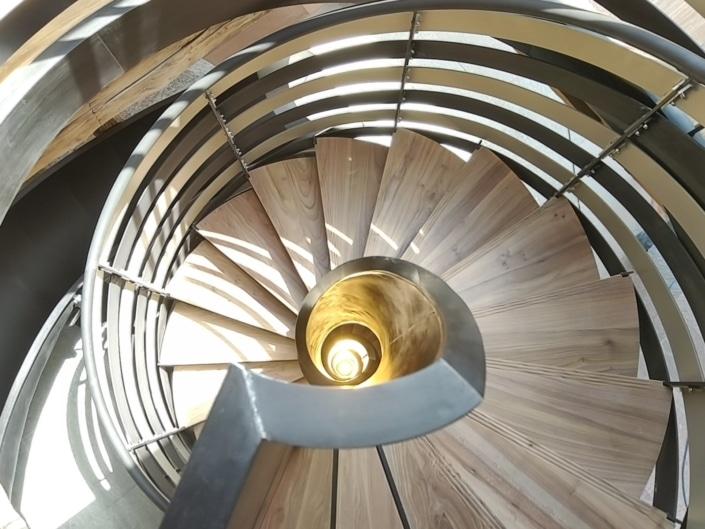 escalier tournant bois et métal