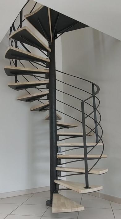 escalier hélicoïdal en métal design