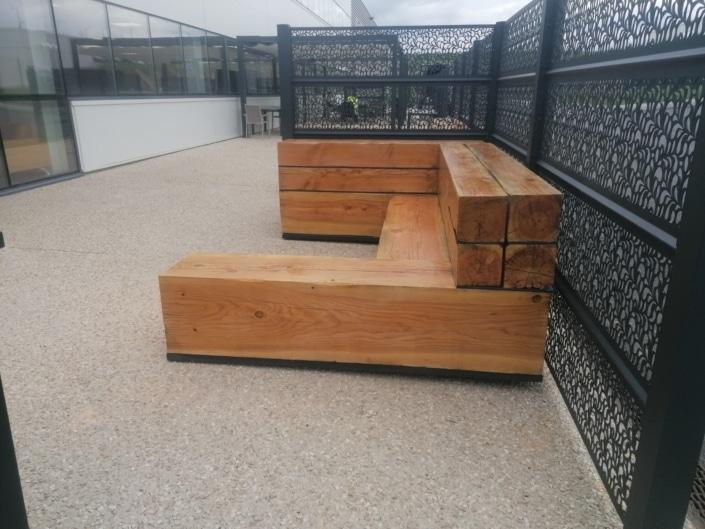 banc en bois et acier