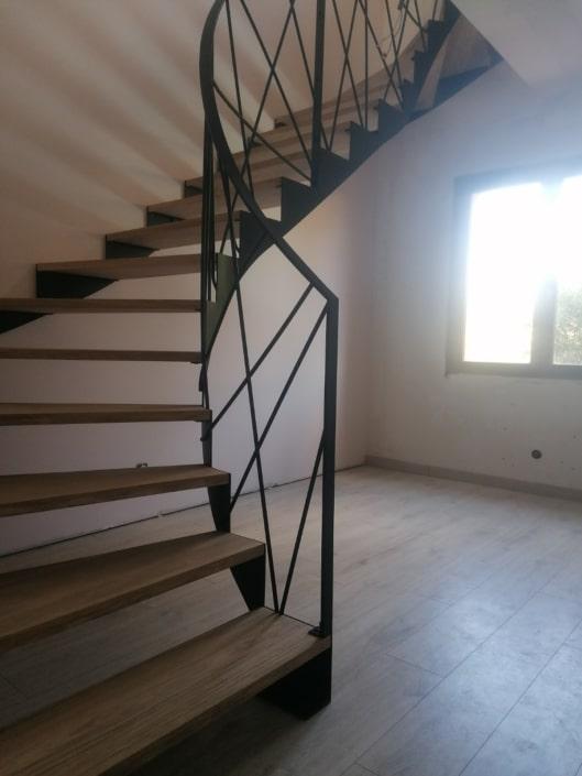 escalier balancé fer et bois
