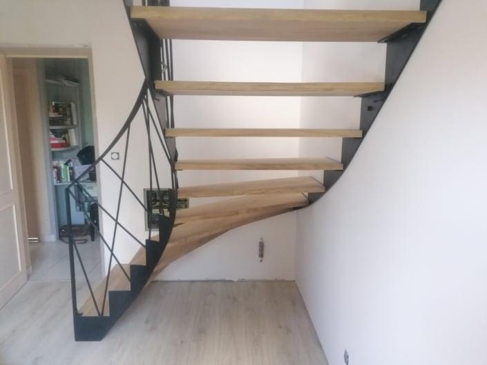 escalier balance fer marche en bois