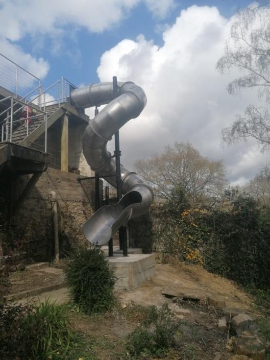 grand escalier toboggan en fer