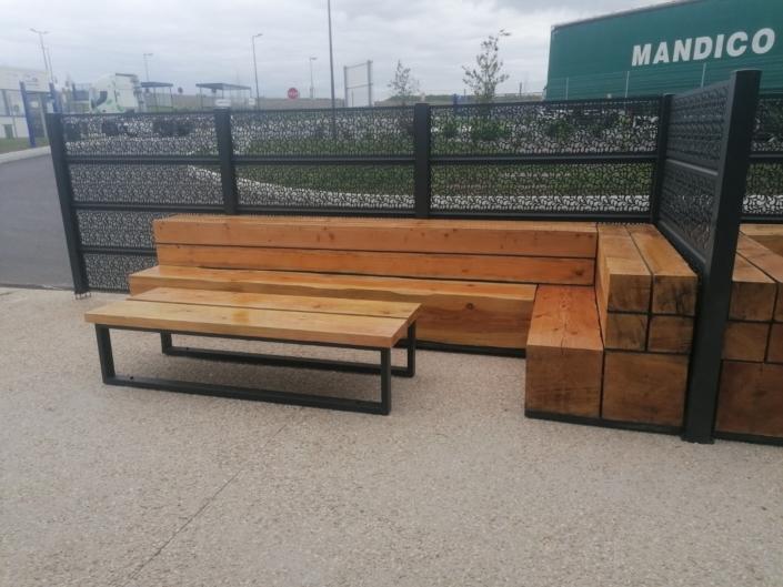 banc exterieur en bois et acier